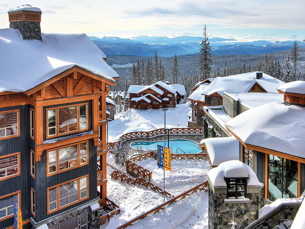 BIG WHITE RESORT IS A MUST-SEE FOR CANADIAN SKIIERS / PHOTO: BIG WHITE SKI RESORT